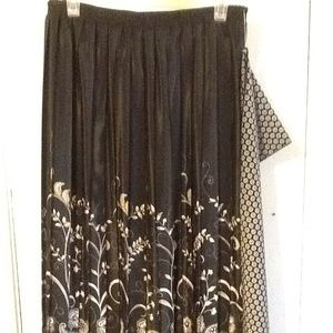 Skirt by Leslie Fay size 16🌹SALE🌹